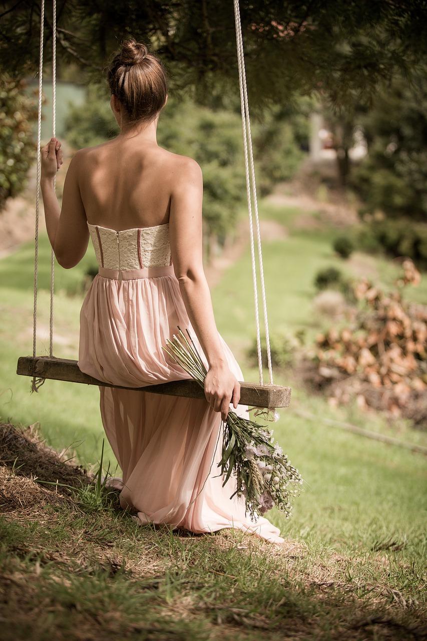 Jaki krój sukienek będzie odpowiedni?